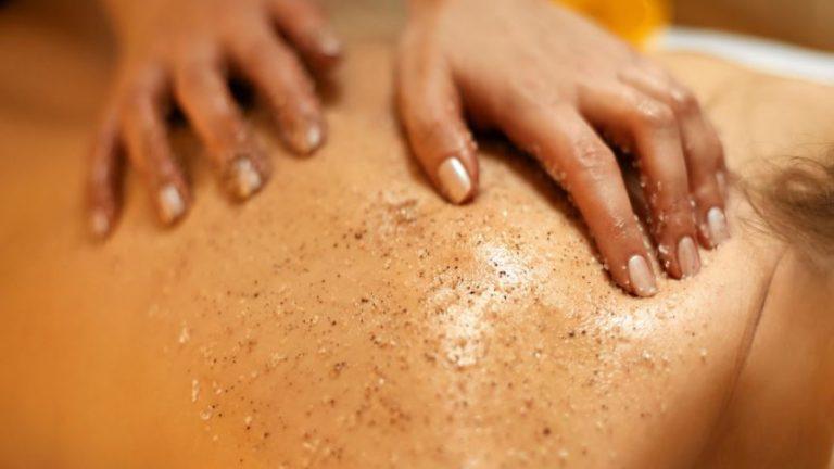 Peeling do ciała – domowy czy ze sklepu?