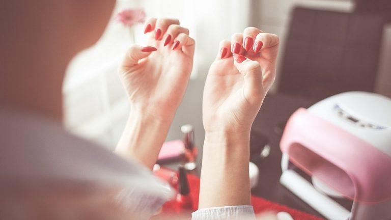 Co trzeba wiedzieć o pilniczkach do paznokci?