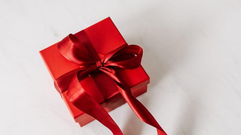 Jaki zestaw kosmetyków na prezent kupić mamie?